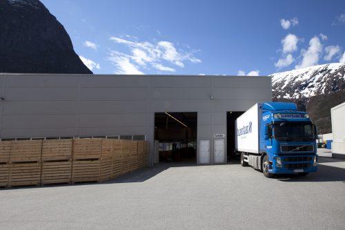 Trollheim, avdeling Sunndal, produksjonshall og vakseri